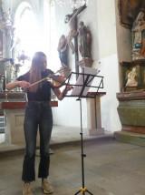 houslistka Emily Anna Vildmanová v libošovickém ko