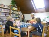 M© na náv¹tìvì v knihovnì2