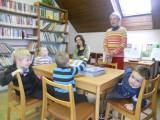 MŠ na první návštěvě knihovny1