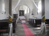A_to_je_svatební_kostelík_v_Nepřívěci_zmenšeno